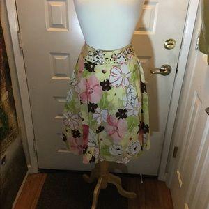 EMMA JAMES flowered cotton skirt.